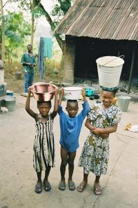 children2520carrying2520water